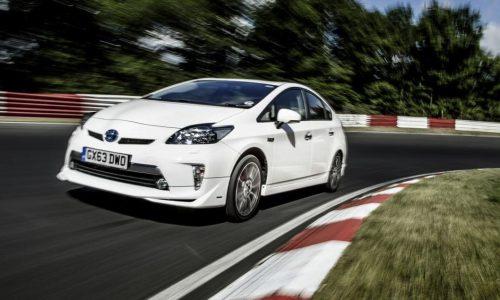 Toyota Prius sets Nurburgring record (video)