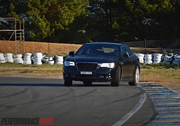 2014 Chrysler 300 SRT8-drifting