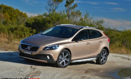 2014 Volvo V40 Cross Country T5 review (video)