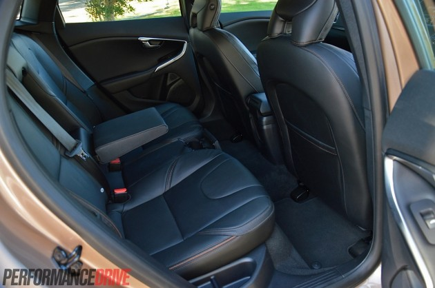 2014 Volvo V40 Cross Country T5-rear seats