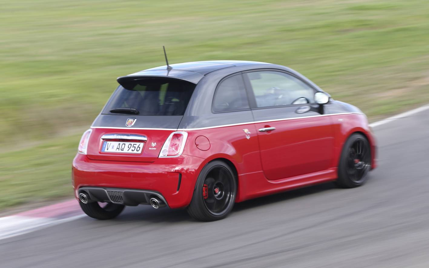 Abarth 595 Turismo & Competizione announced for 2015 ...