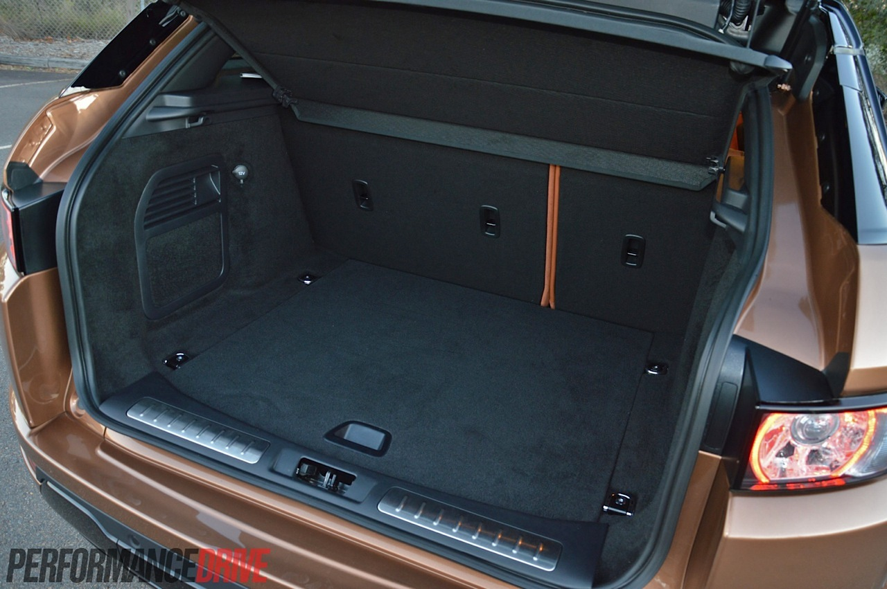 Range Rover Hybrid >> 2014 Range Rover Evoque Si4 review (video) | PerformanceDrive