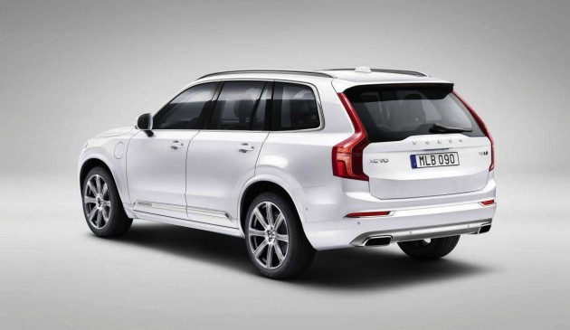 2015 Volvo XC90-rear