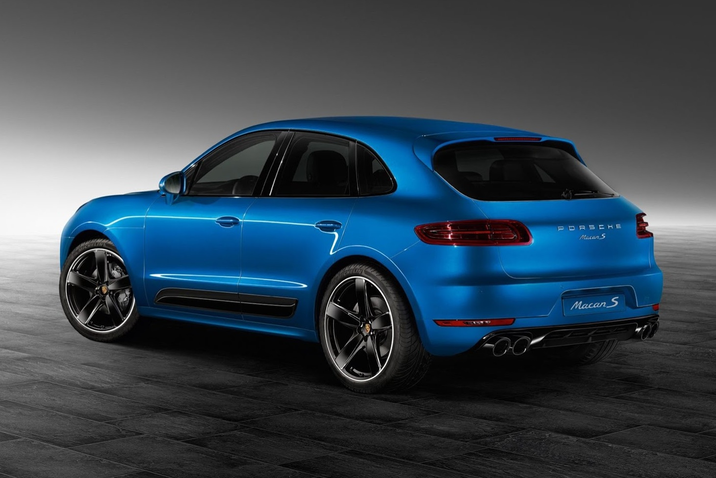 Porsche Cayenne Gts For Sale >> Porsche Design package announced for the Macan ...