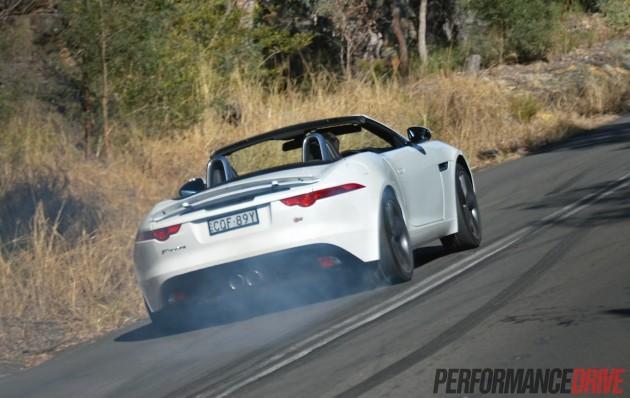 2014 Jaguar F-Type V6 S-wheelspin