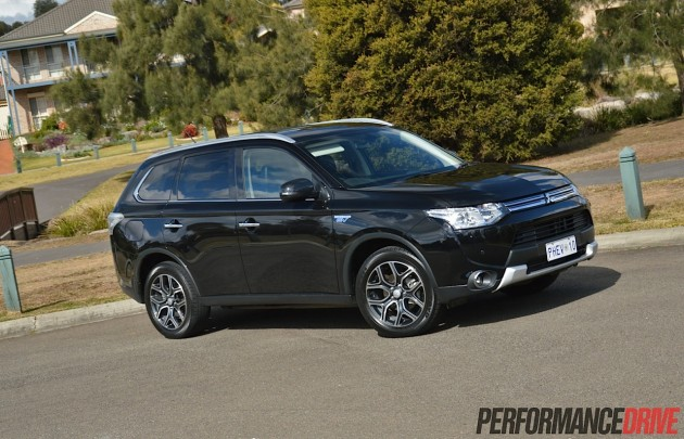 2014 Mitsubishi Outlander PHEV-black