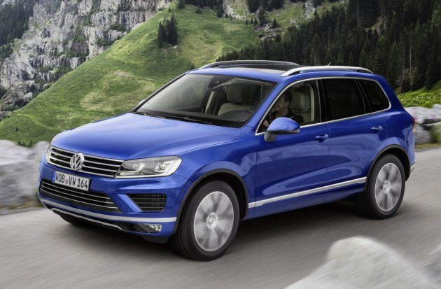 2015 Volkswagen Touareg-driving