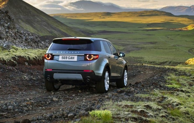 Land Rover Discovery Sport-rear