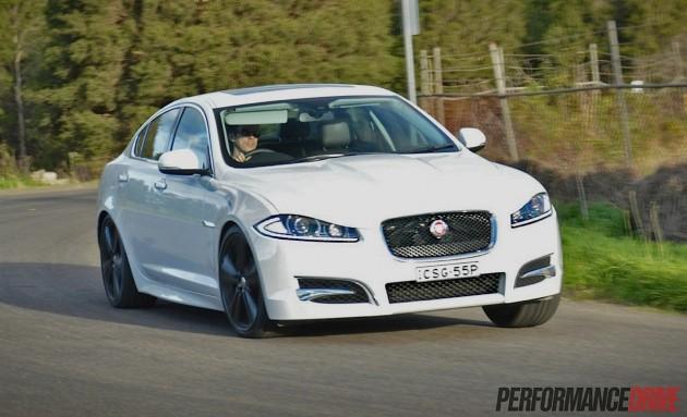 2014 Jaguar XF S Luxury-cornering