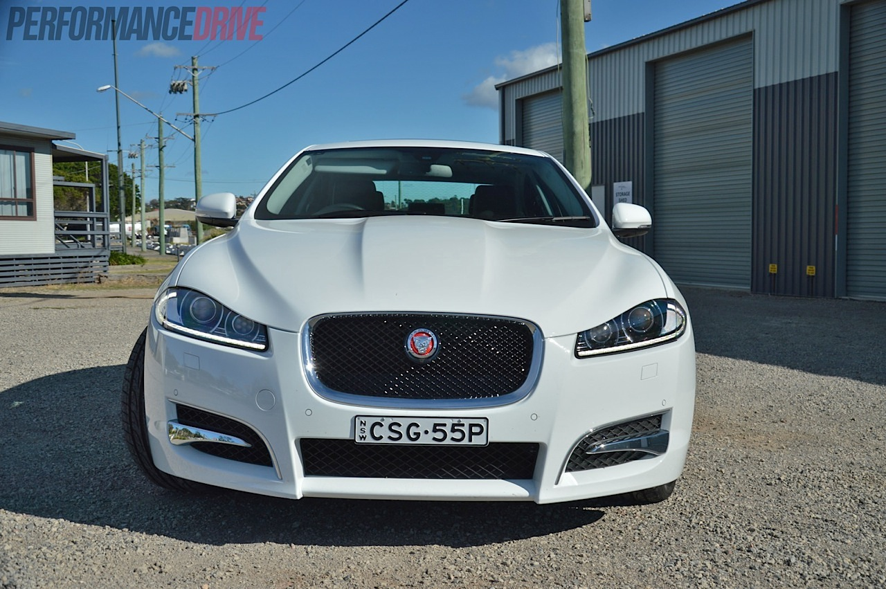 2014 Jaguar XF S Luxury Headlights