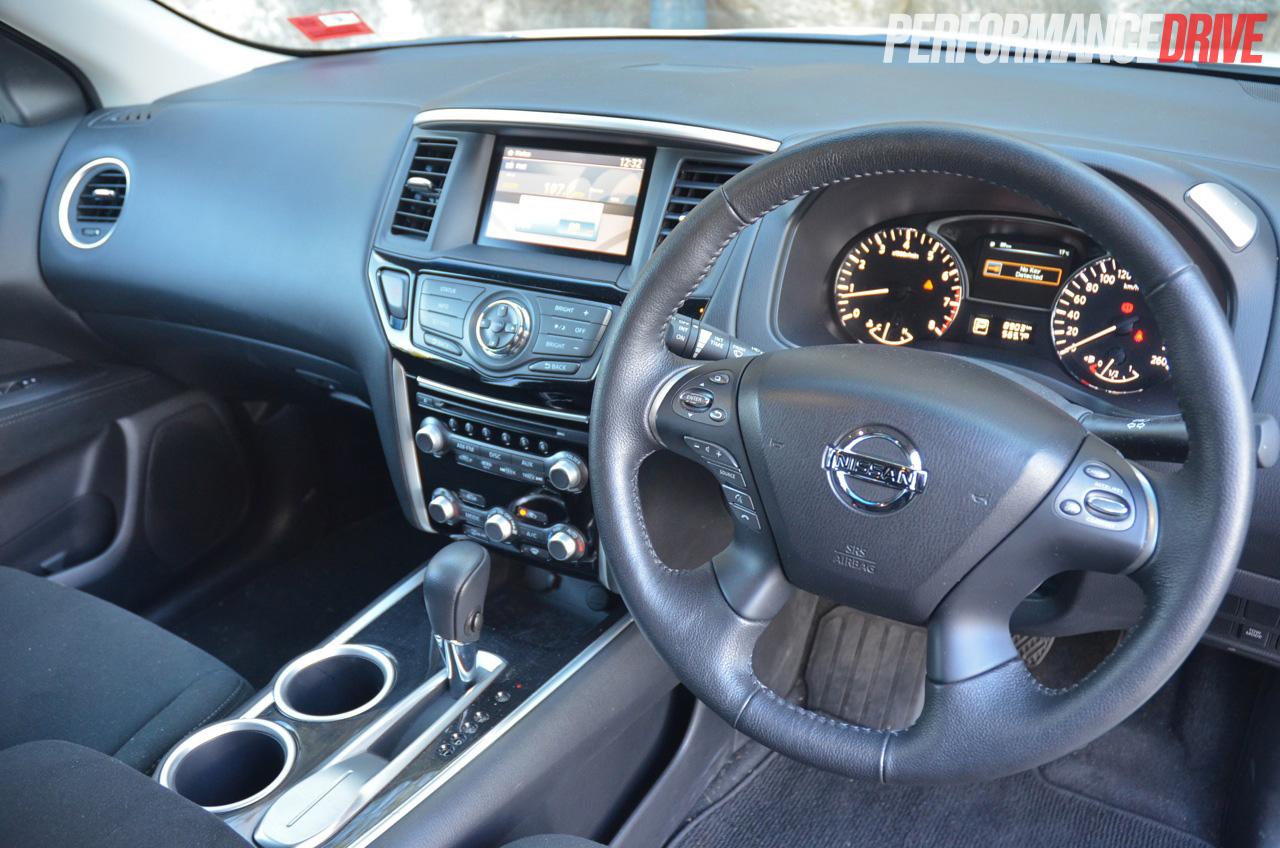 6 Passenger Suv >> 2014 Nissan Pathfinder ST review (video) | PerformanceDrive