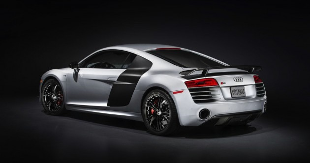 Audi R8 Competition-rear spoiler