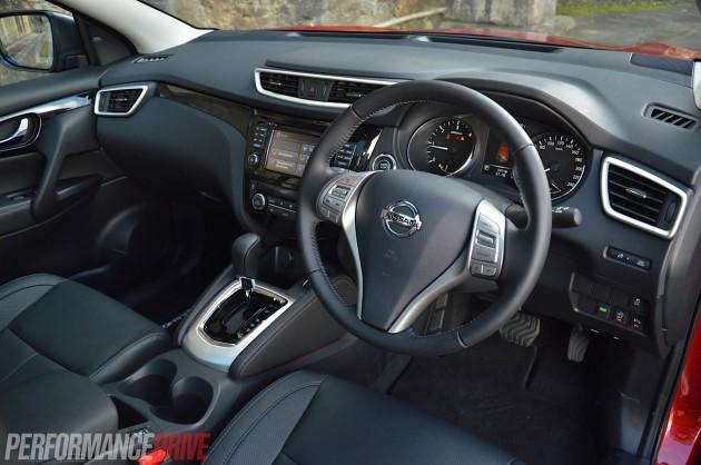 2014 Nissan QASHQAI TL-interior