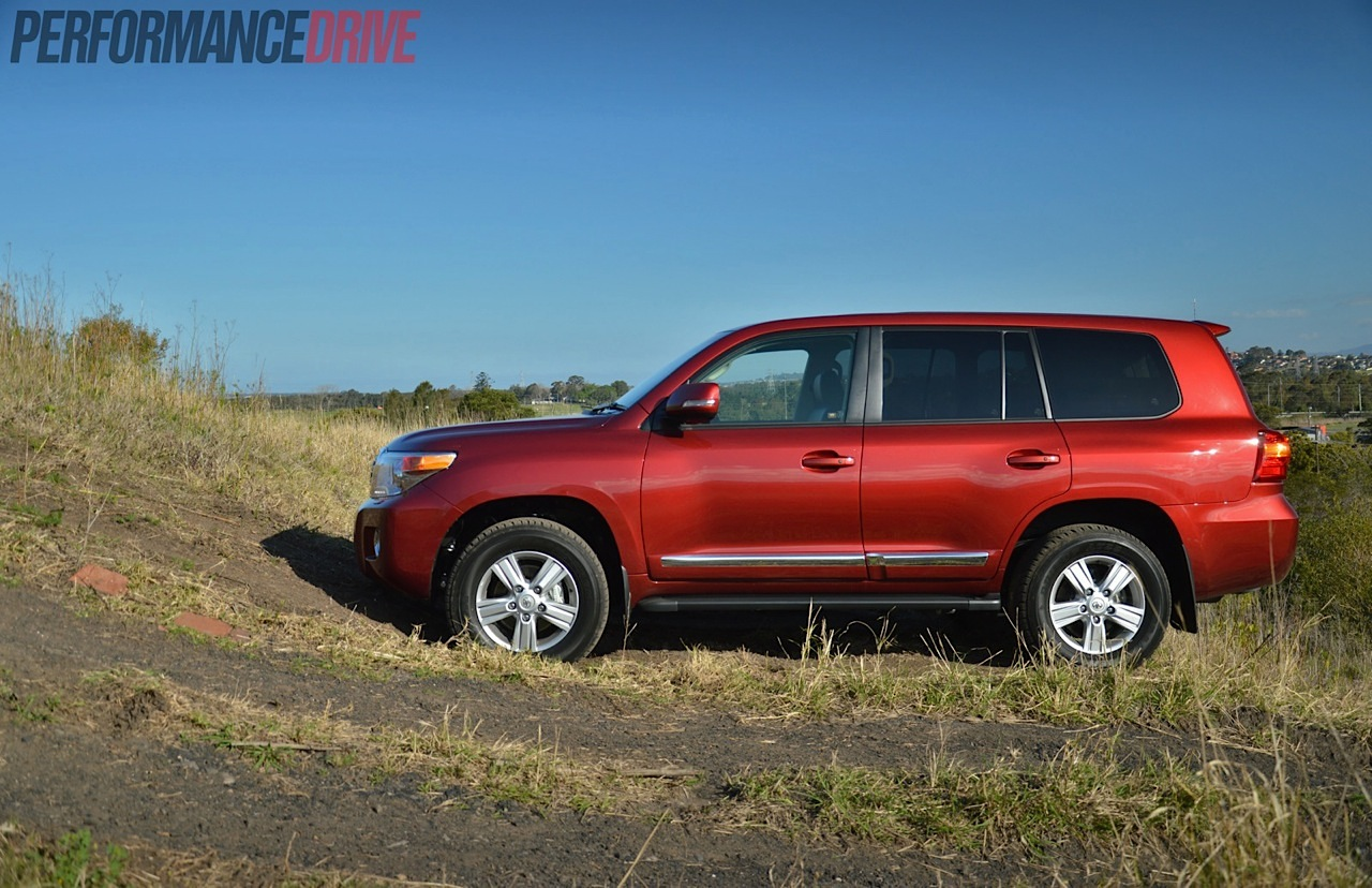 2014 Toyota Landcruiser Sahara V8 Review Video