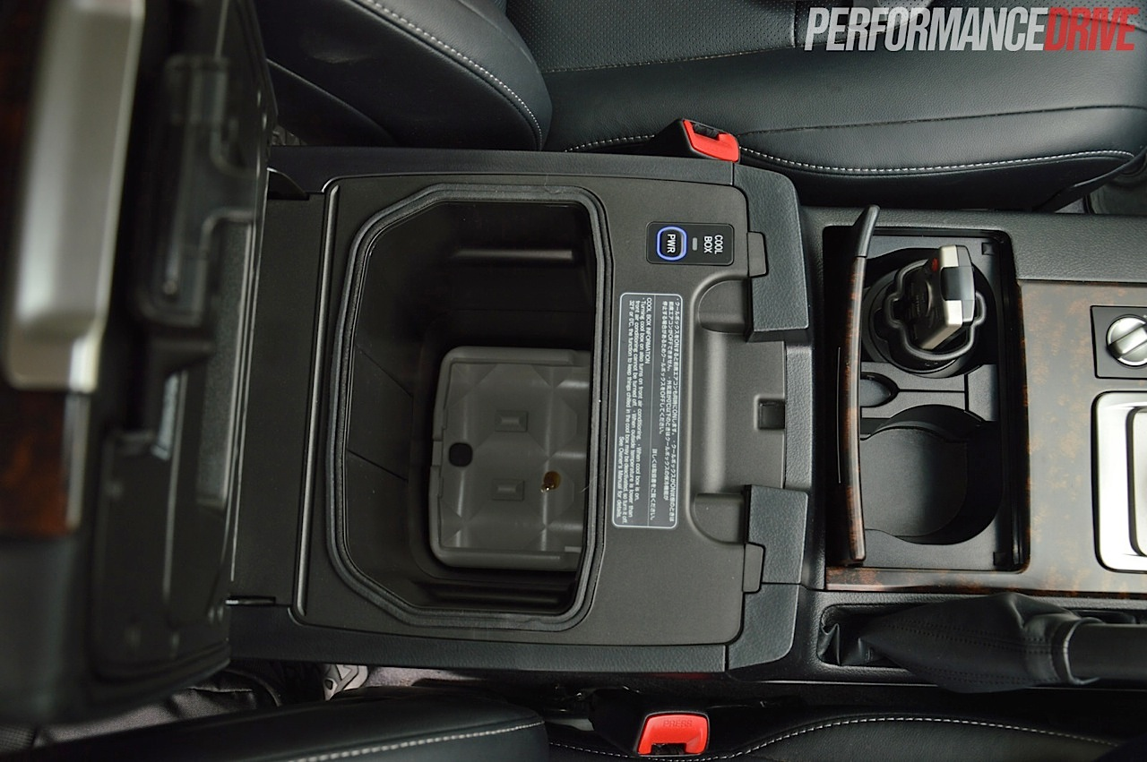 Toyota Land Rover 2017 >> 2014 Toyota LandCruiser Sahara V8 review (video) | PerformanceDrive