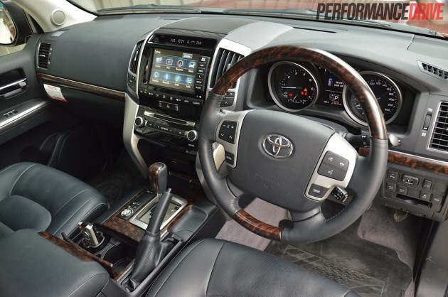 2014 Toyota LandCruiser Sahara-interior