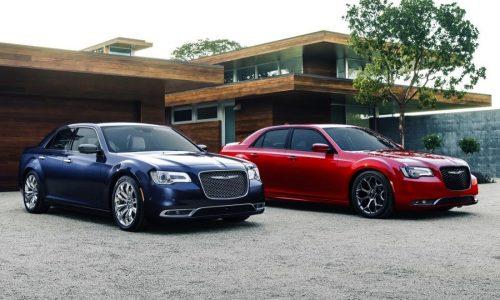 2015 Chrysler 300 revealed; 8spd auto for V8, more power for V6
