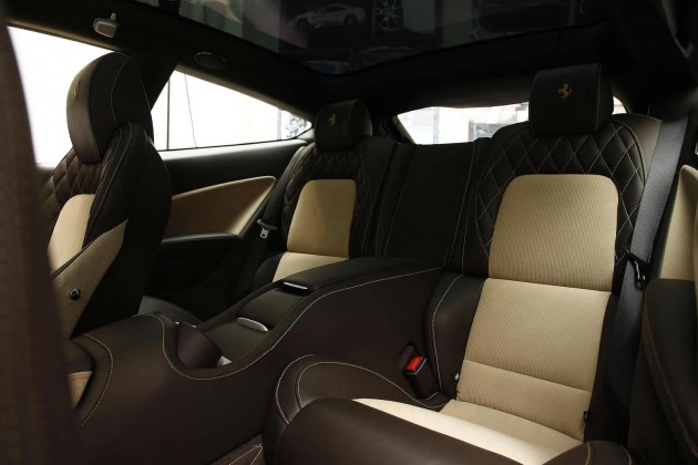 Ferrari FF Tailor Made-interior corduroy