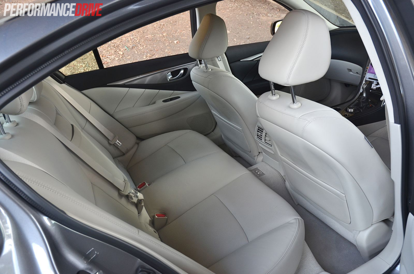 Infiniti q50 rear legroom
