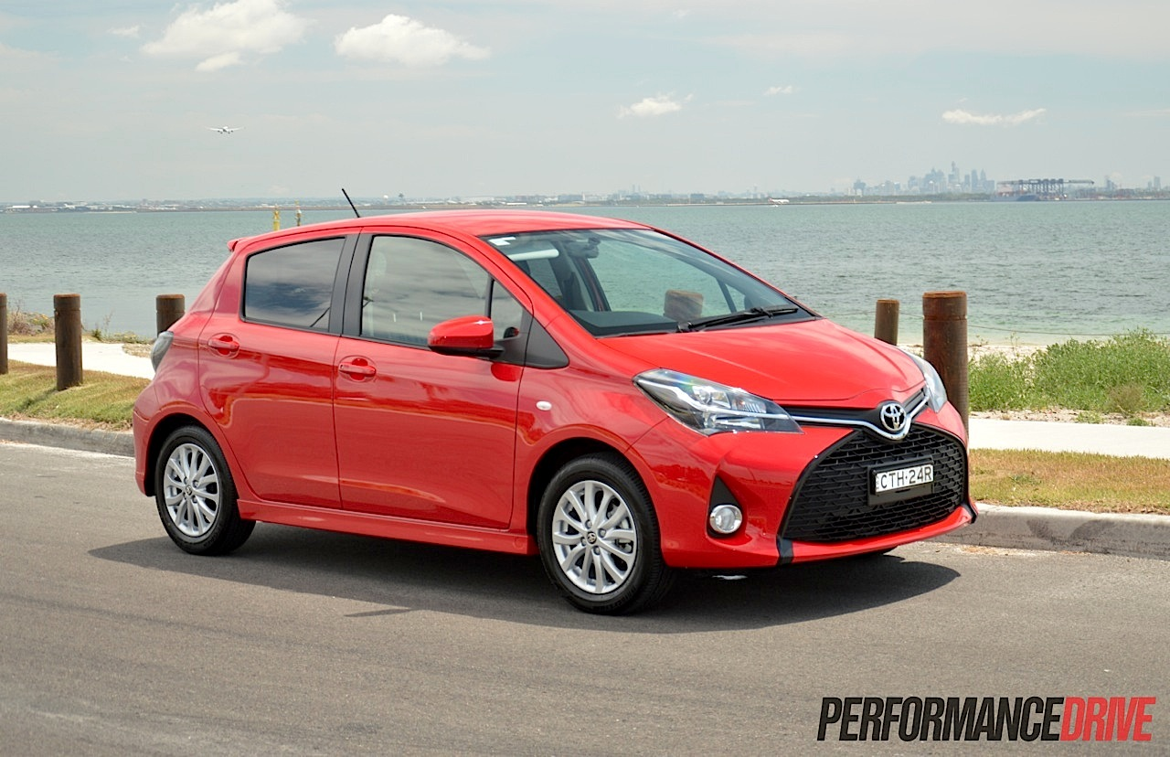 toyota yaris zr review video performancedrive