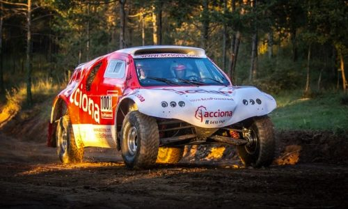 ACCIONA EcoPowered racer to be first EV to compete in Dakar