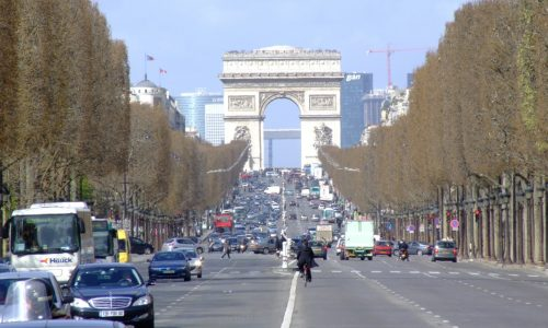 Mayor of Paris plans to ban cars from central districts