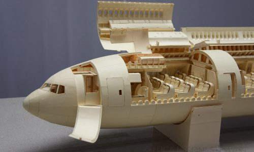 23yo makes ultra-detailed 1:60 scale Boeing 777 out of paper