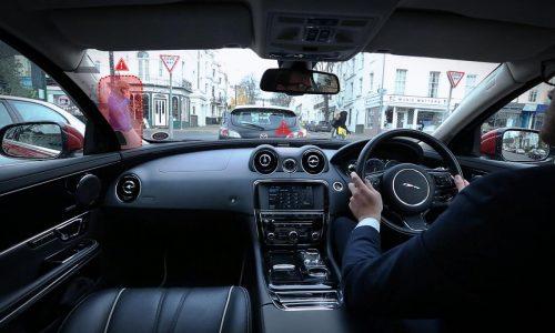 Jaguar makes car pillars disappear with Virtual Urban Windscreen