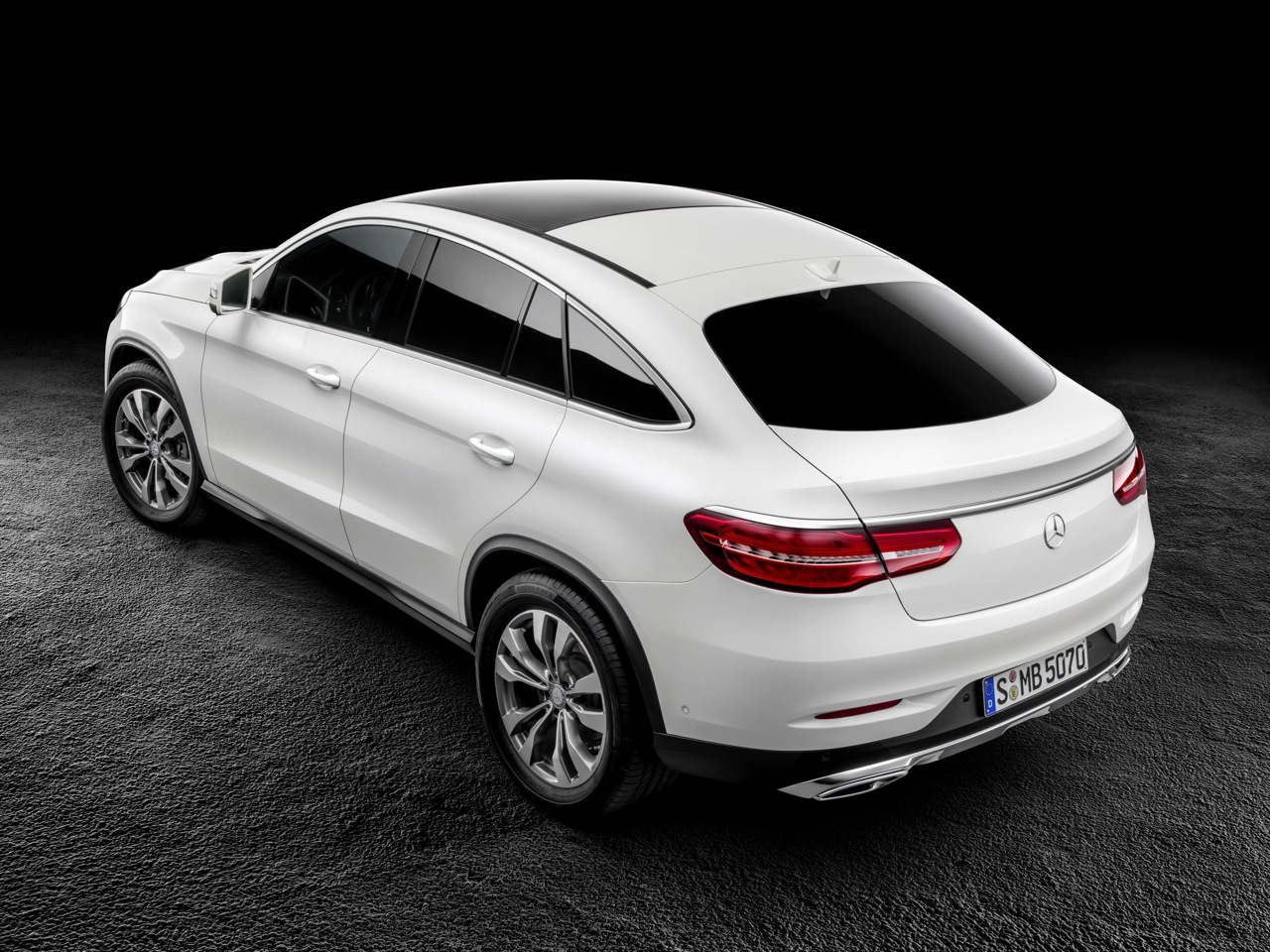 Mercedes-Benz GLE Coupe revealed, debuts AMG Sport '450 ...
