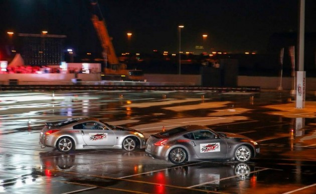 Nissan 370Z twin-vehicle drift record