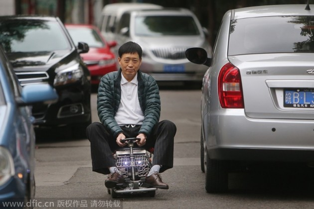 Shanghai man builds mini-car-5