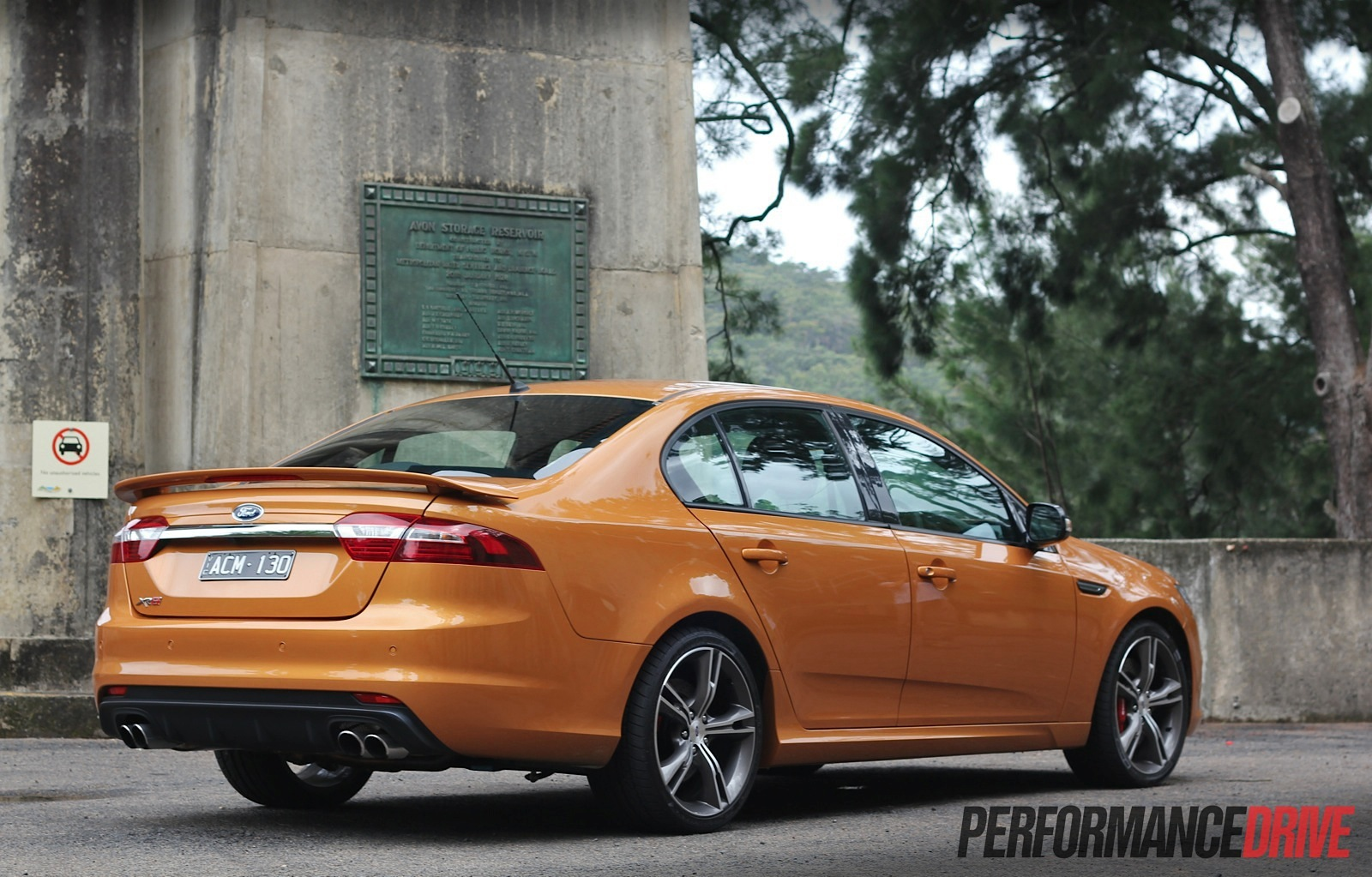 2015 Ford Falcon XR8-taillights