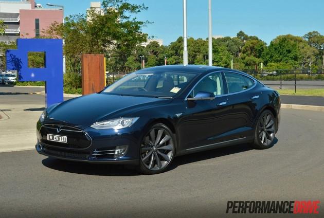 Tesla Model S P85+ blue
