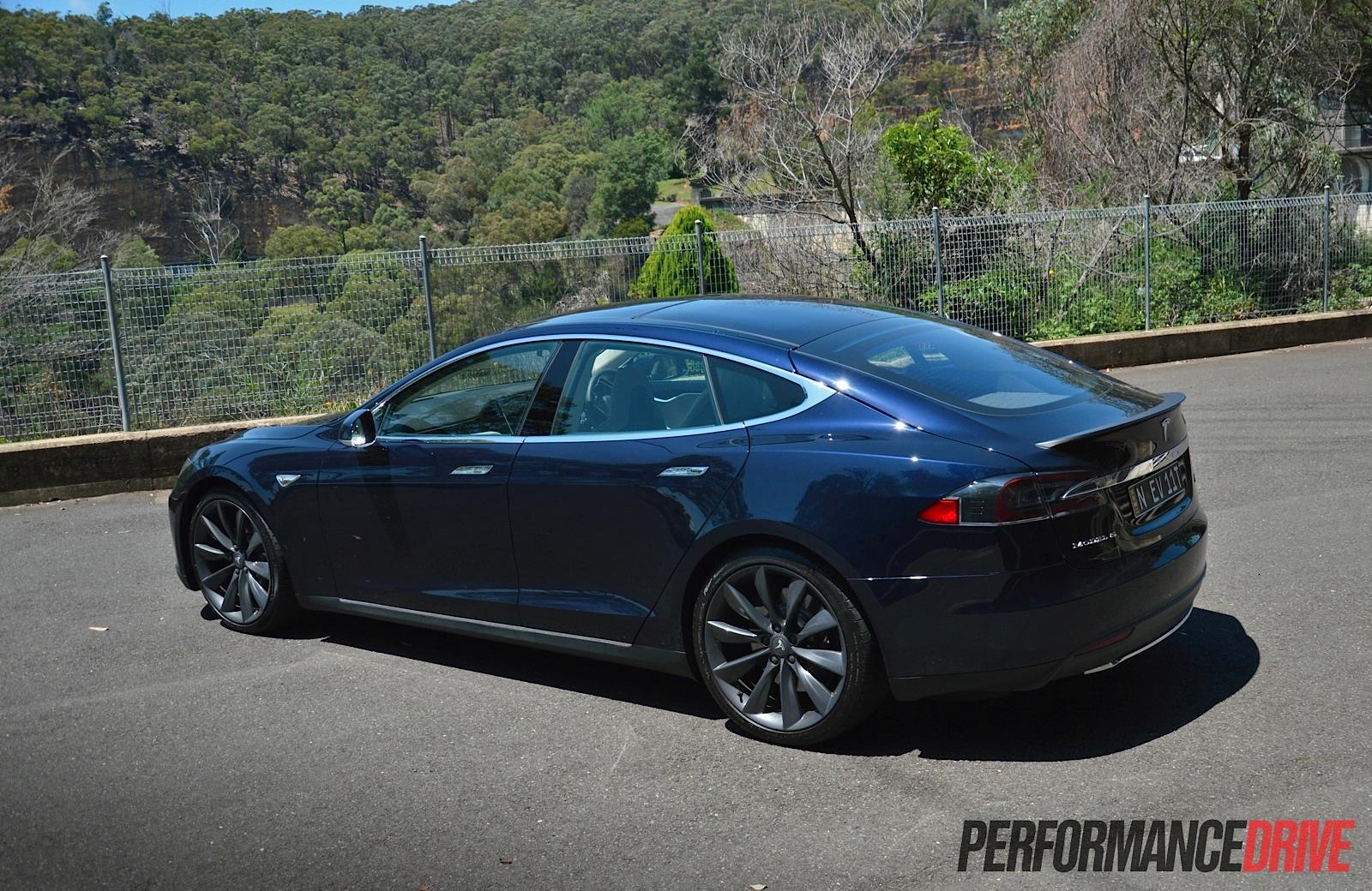 Tesla Model S P Rear on Tesla Turbine