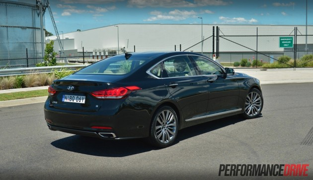 2015 Hyundai Genesis Ultimate Pack-rear