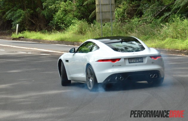 2015 Jaguar F-Type R Coupe-drifting