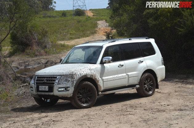 2015 Mitsubishi Pajero Exceed off road