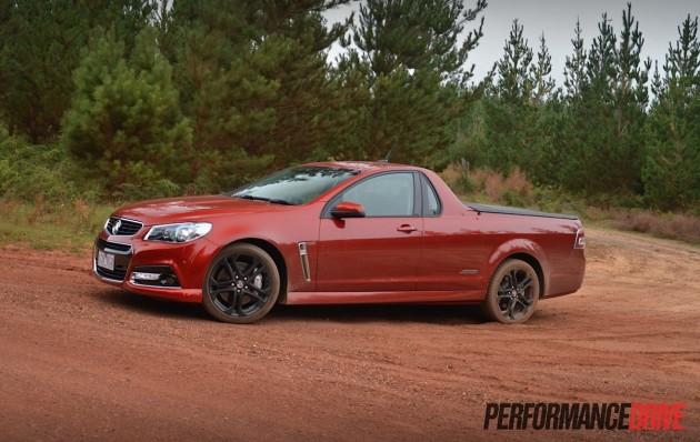 2015 Holden VF Commodore ute SSV Redline-dirt