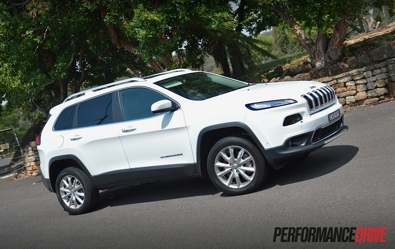 White Jeep Cherokee >> 2015 Jeep Cherokee Limited Diesel review (video ...