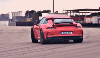 Video: 2015 Porsche 911 GT3 RS showcased at Nardo test track