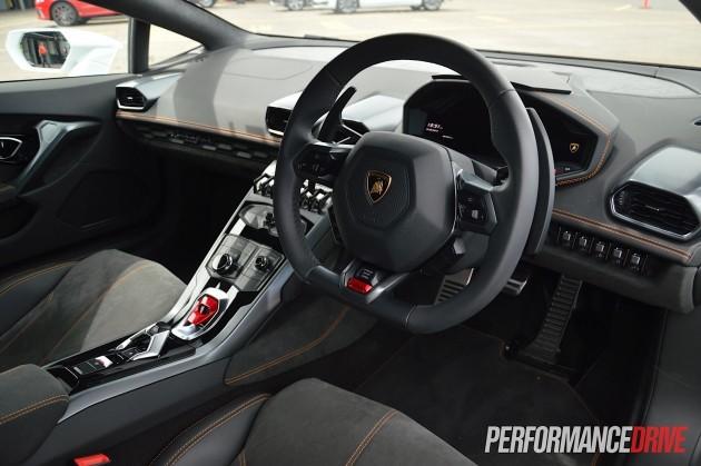 Lamborghini Huracan-interior