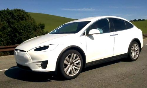Video: Tesla Model X prototype spotted again, minimal camouflage