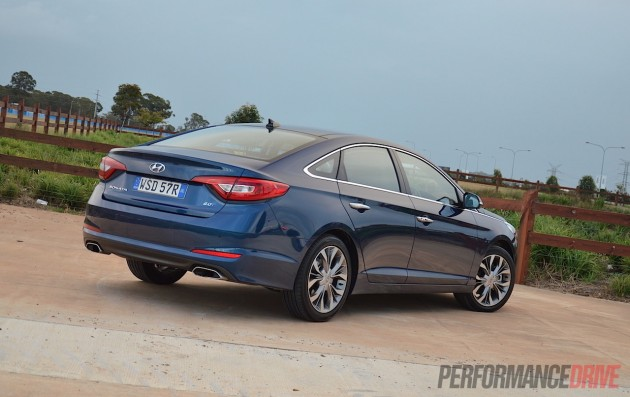 2015 Hyundai Sonata Premium-rear
