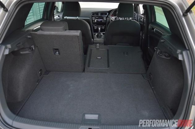 2015 Volkswagen Golf 110TDI R-Line-fold seats
