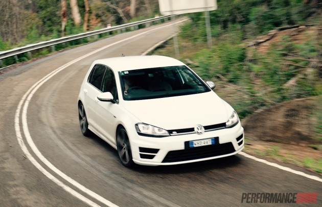 2015 Volkswagen Golf R-cornering