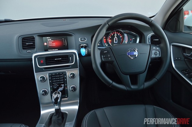 2015 Volvo S60 T4 Sprint Edition-dash