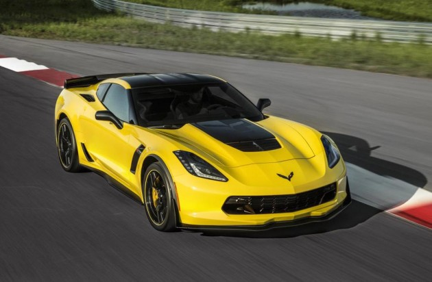 2016 Chevrolet Corvette Z06 C7.R edition-driving