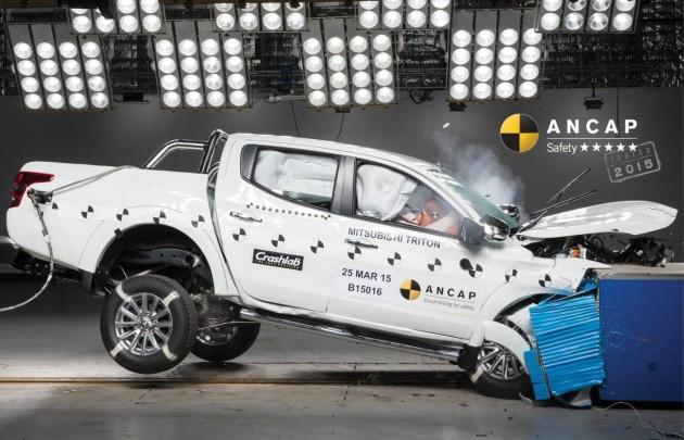 2016 Mitsubishi Triton ANCAP crash