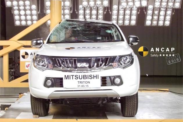 2016 Mitsubishi Triton crash test