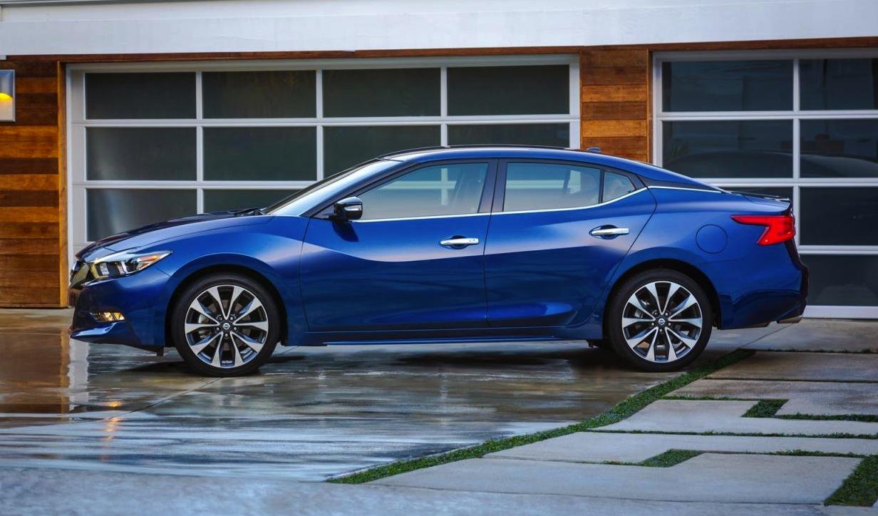 2016 Nissan Maxima makes its official debut at New York ...